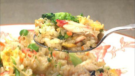 カニと彩り野菜のチャーハン